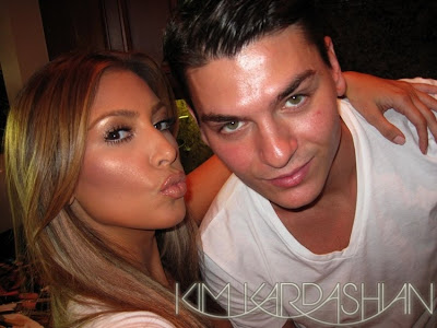 kim+kardashian+blonde+mario+dedivanovic+makeup Is Blonde Kim Kardashian Having More Fun With Makeup?