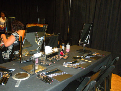 mac+master+class+work+station Attention Philly Gals: MAC Master Makeup Class on October 17!
