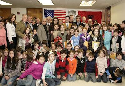 A New York si apre la scuola di lingua albanese