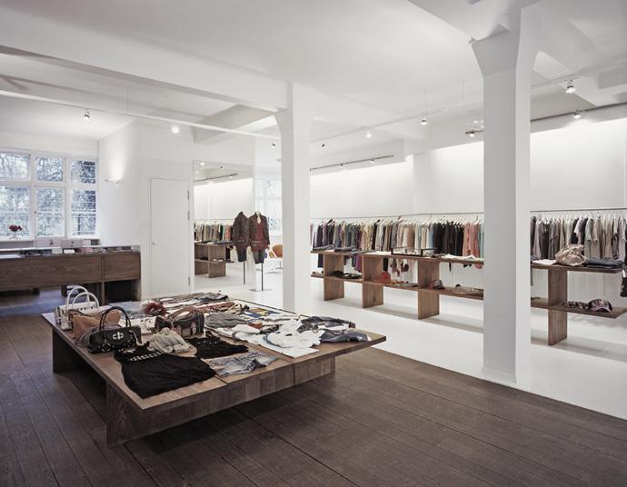Imagine these retail interior design anita hass for Interior designer deutschland