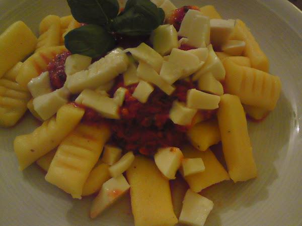 Gnocchi Aurora mit Mozzarella