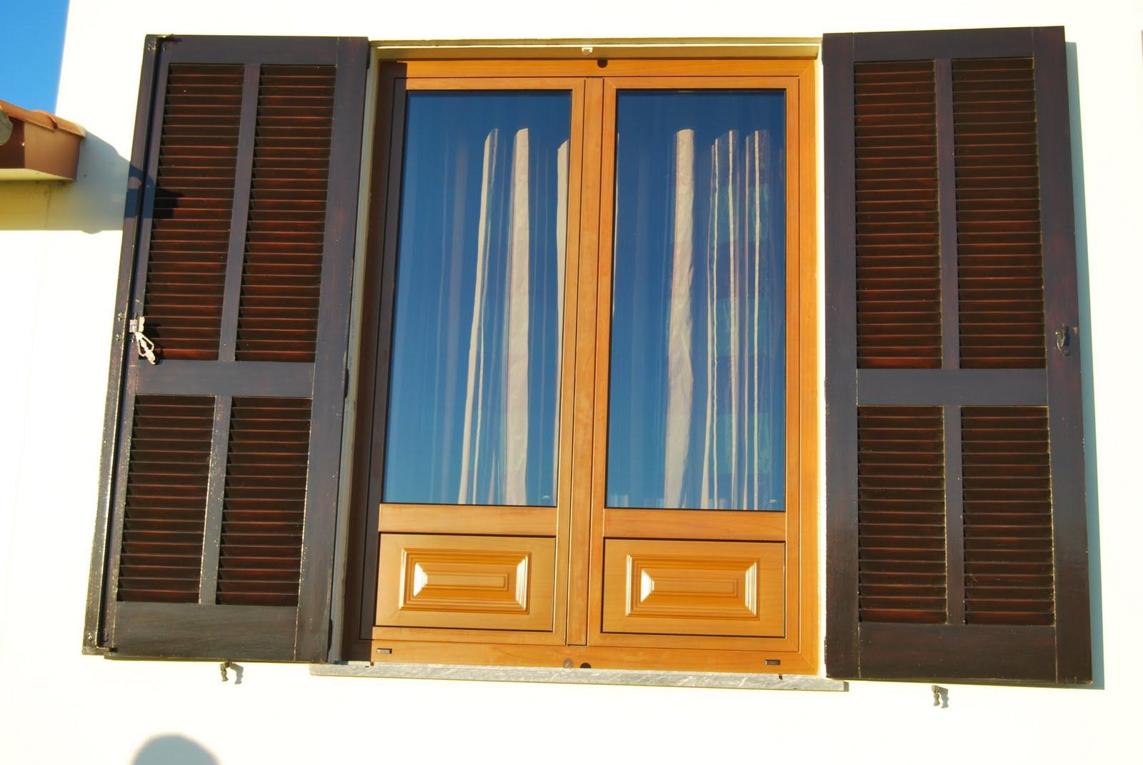 #A96B22 em substituir janelas de madeira com vidro simples por janelas  56 Janelas De Vidro Duplo Brasil