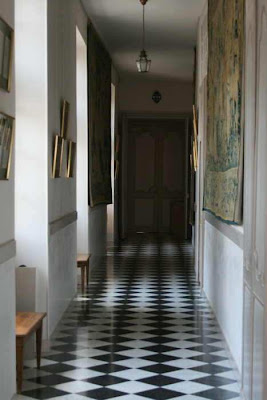 narrow corridor Villandry