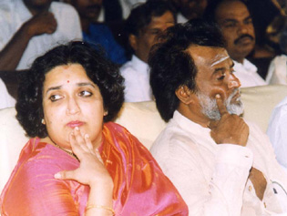 KAVALI: Arrest Warrant for Rajnikanth's Wife and Daughter!