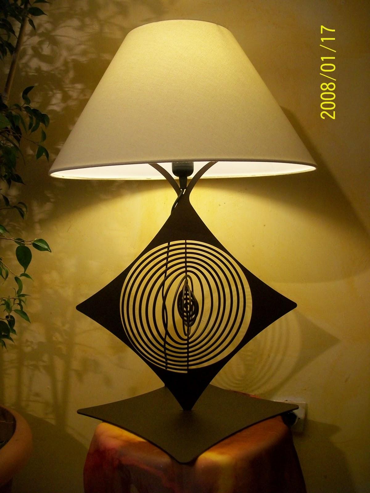 lampe design en fer la spirale pied de lampe en fer hauteur 450 mm peinture epoxy marron vieilli. Black Bedroom Furniture Sets. Home Design Ideas