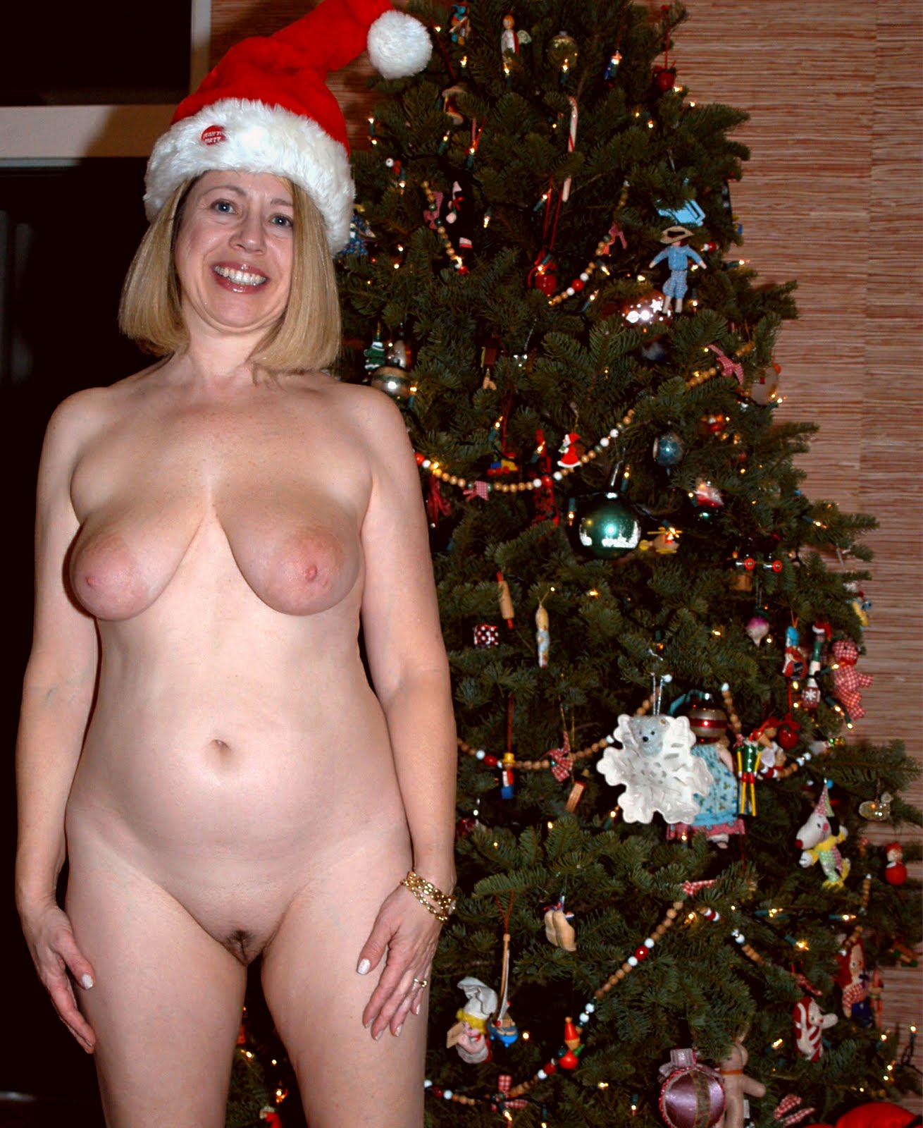 Naked christmas women free smut toons