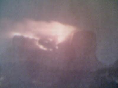 Incêndio atinge Pedra da Gávea