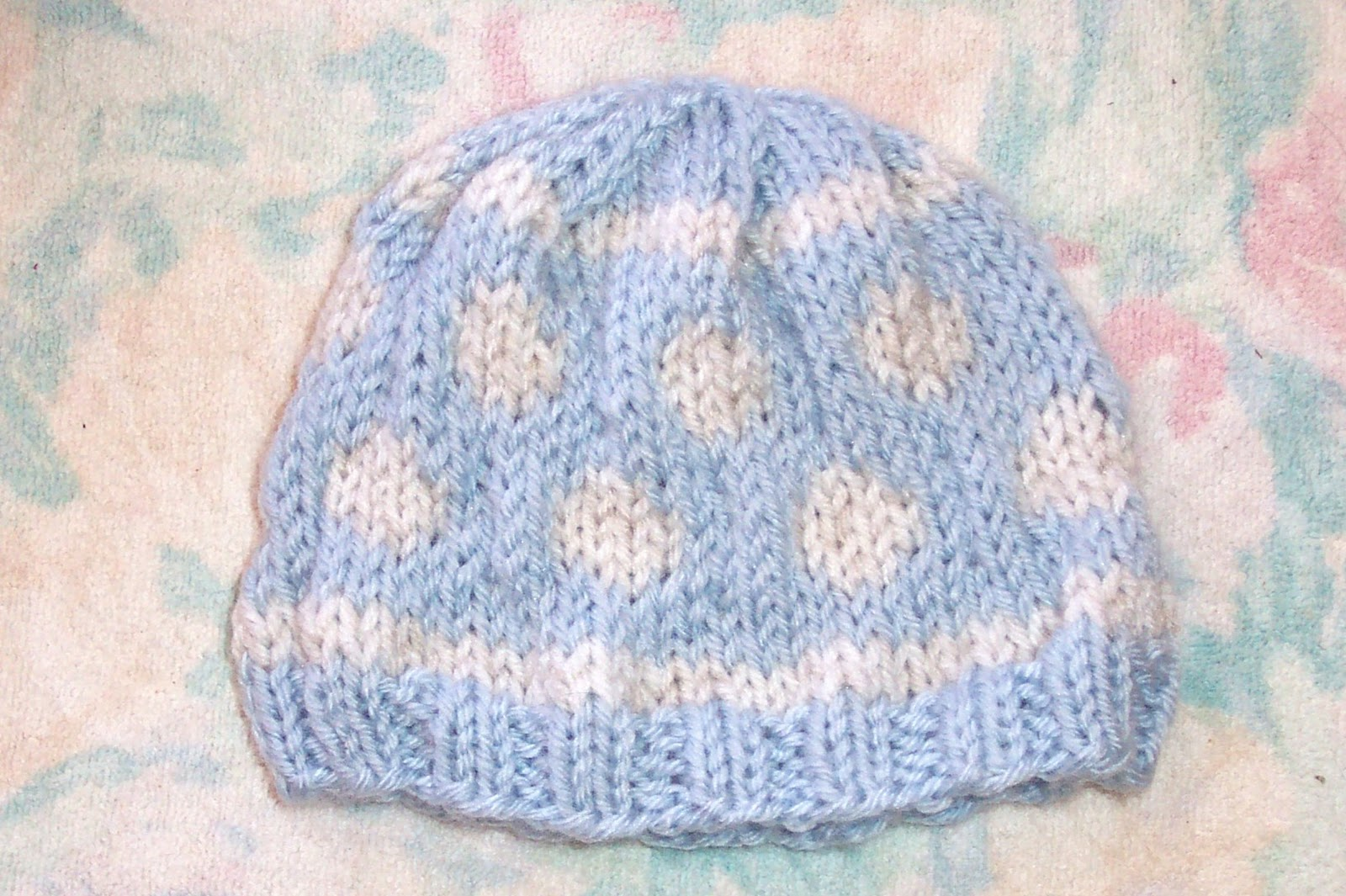 Knit Baby Hats Patterns : SmoothFox Crochet and Knit: SmoothFoxs Baby Bubbles Knit Hat - Free Pattern