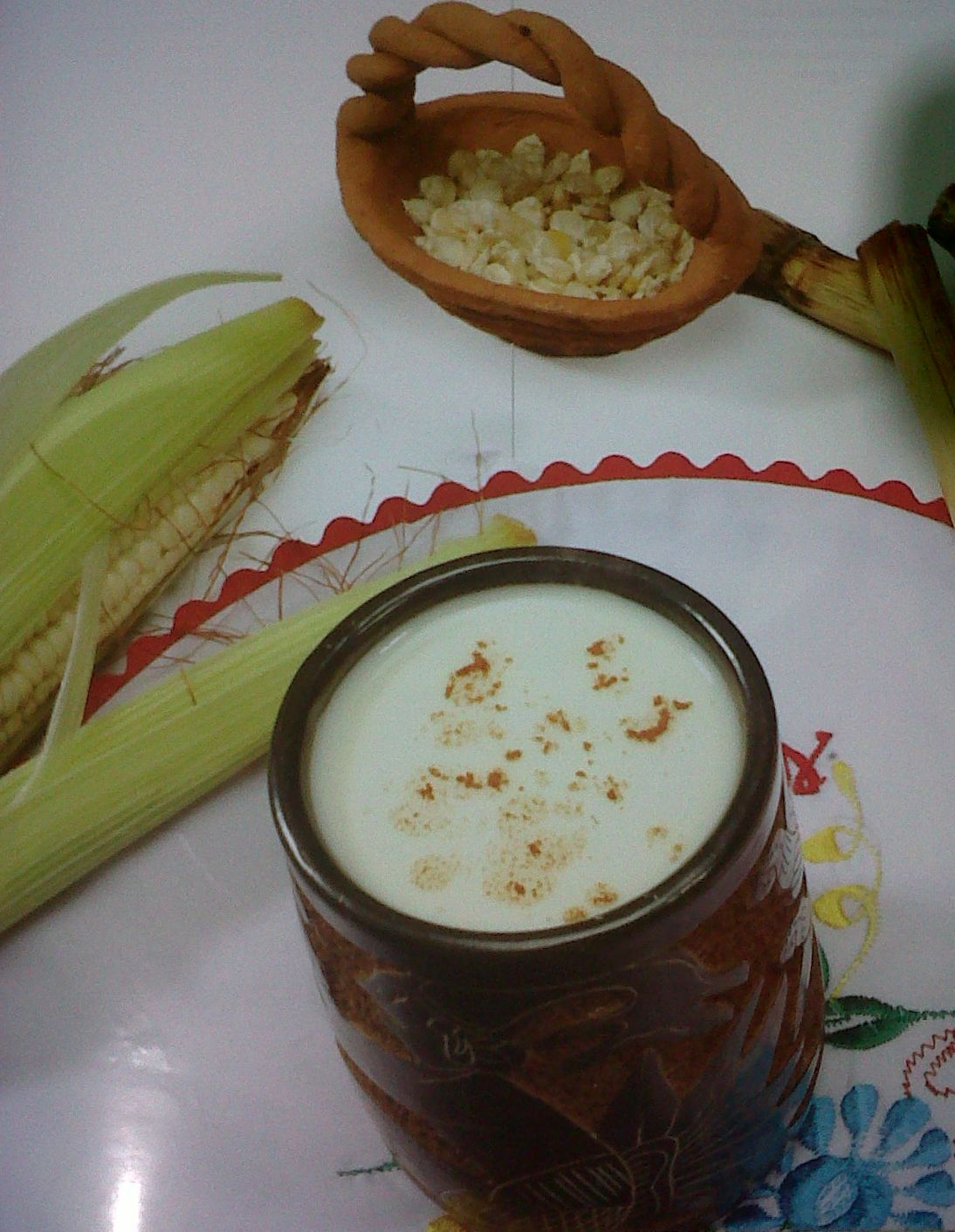 Gastronomia hondure a atol de elote for Nelson honda el monte