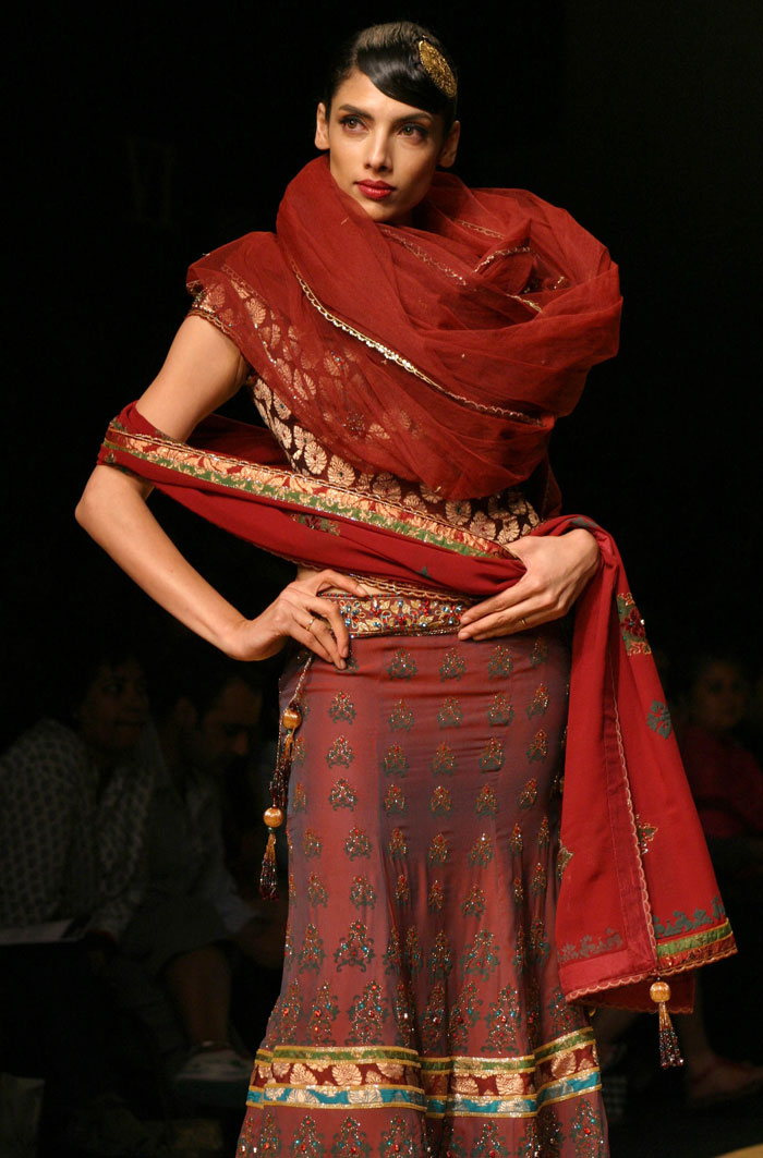 Wills india fashion week 2010 photos fashion makeup magazine scan celebrities Wills lifestyle fashion week
