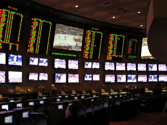 what are the odds in the super bowl paris las vegas sportsbook