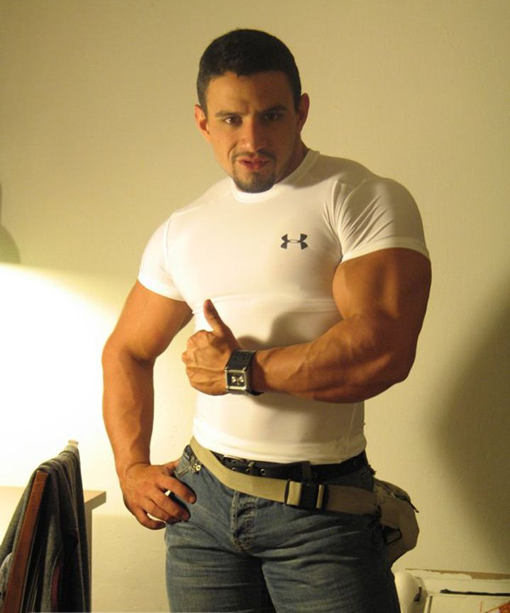 muscle guys gay Hot