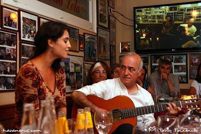 Sílvia Pérez Cruz a la taverna la Bella Lola