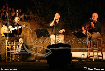 Càstor Pérez a la cantada de Sant Roc amb L'Empordanet