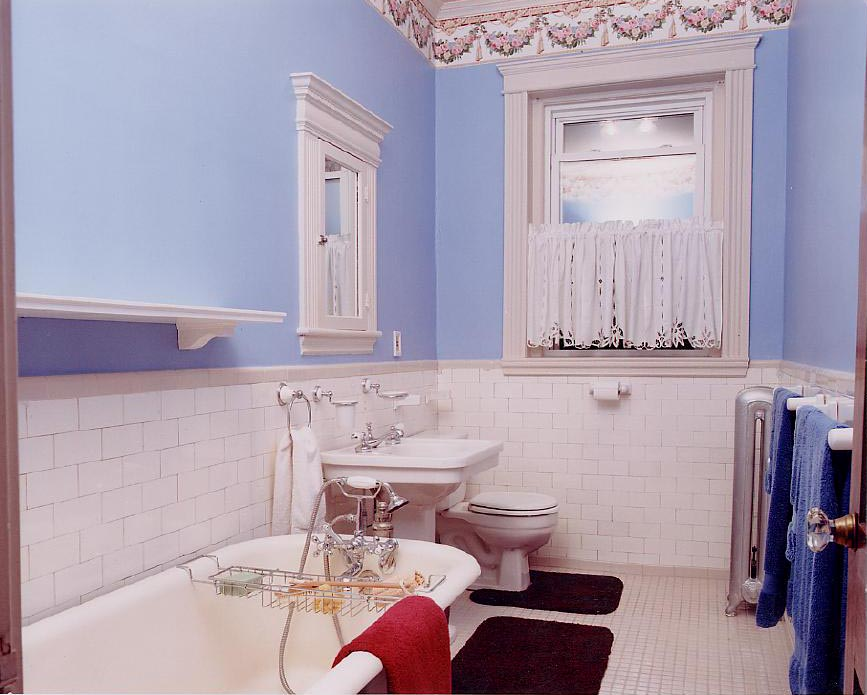 Bathroom wallpaper border for Wallpaper borders bathroom ideas