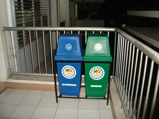biodegradable and nonbiodegradable waste management