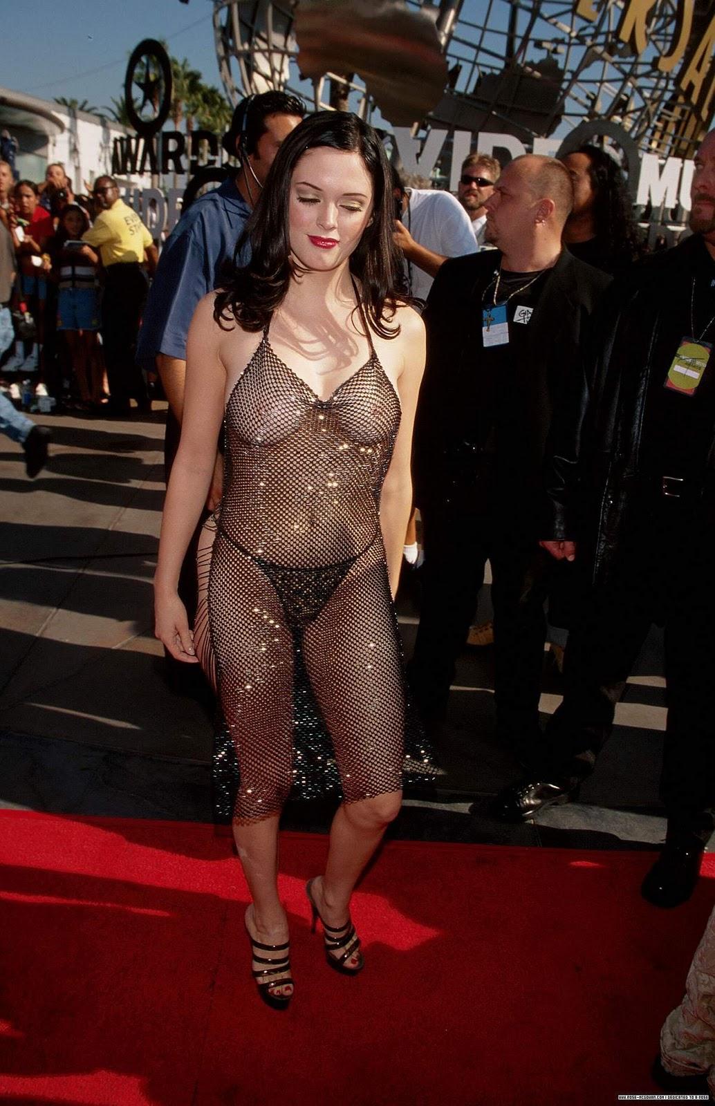 http://1.bp.blogspot.com/_VSTMcSdB3rA/TSKHq7fz7AI/AAAAAAAAA6E/-5cEZba-I8I/s1600/Rose-at-1998-MTV-music-Awards-rose-mcgowan-8217022-1200-1856.jpg