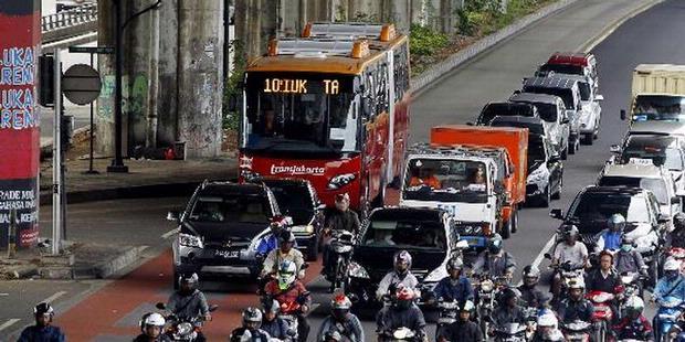 http://1.bp.blogspot.com/_VTAOZUFk6R8/TSKZhp33UBI/AAAAAAAAFhg/H2t2-8o12CE/s1600/rute+bus+way.JPG