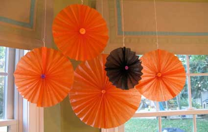 Halloween Craft Ideas Construction Paper on From One Mom To Another     Easy Halloween Craftwarm Biscuit Fabrics
