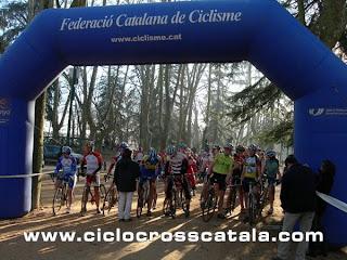 Ciclocross Catalunya salida juniors veteranos y feminas