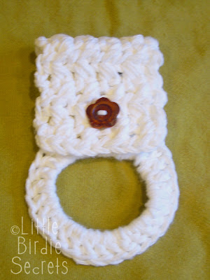 Free-Crochet.com - Owl Towel Holder