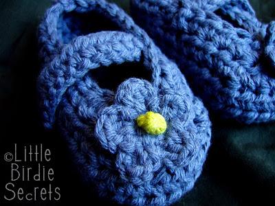 how to crochet a flower video tutorial Little Birdie Secrets