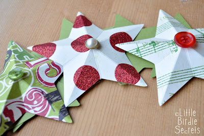 Easy christmas cards and more 3d paper star wreath for How to make 3d paper stars easy
