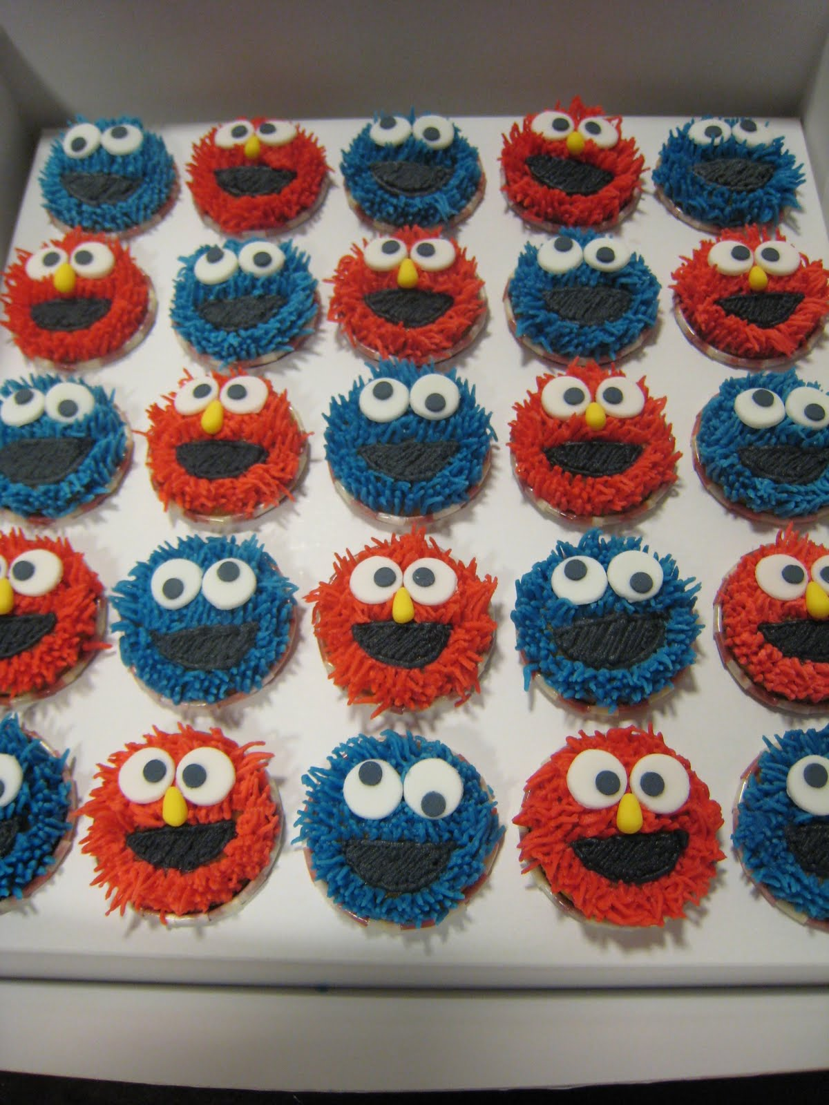 Just Celebrate Cakes: Elmo, Cookie Monster and Transformers.