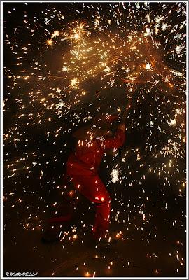 La màquina de cremar, escampant foc