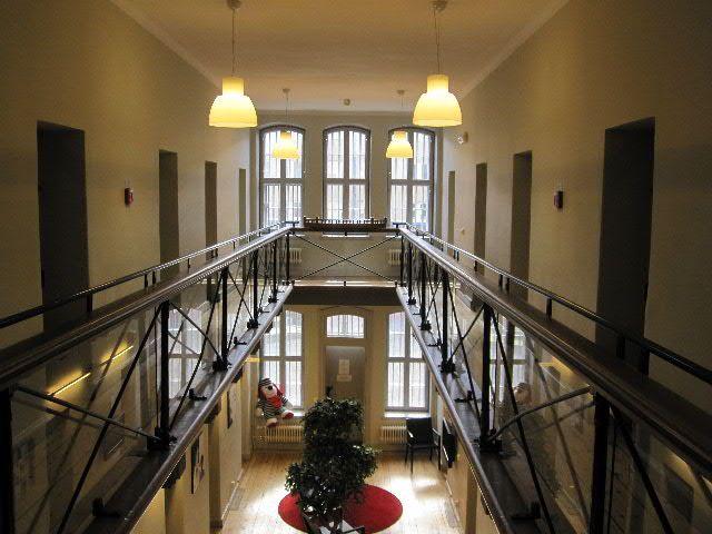Bla Kok Och Bar Umea :   Rekommenderas Hor bor man bra och centralt i en liten cell