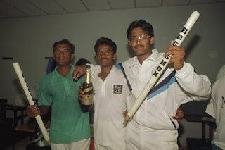 Anil Kumble with team mates