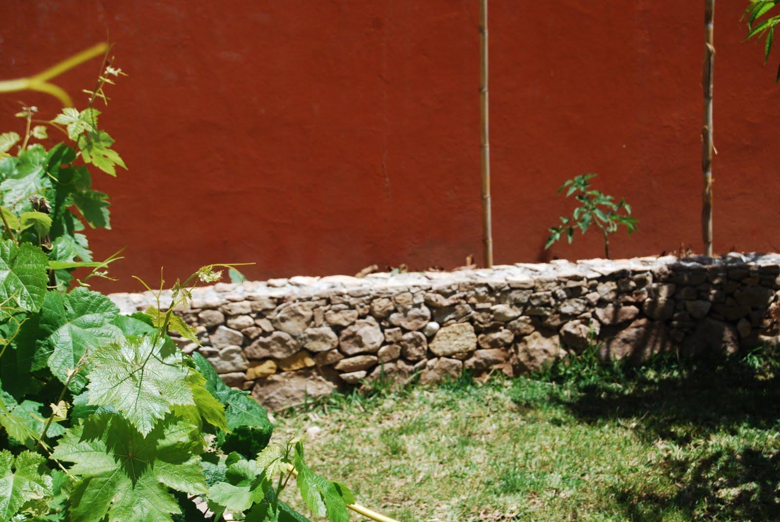 Reformas exteriores e interiores muro jard n de piedra - Muro jardin ...