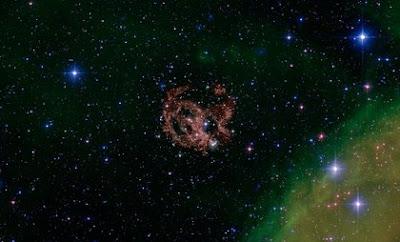 E0102 en óptico por Hubble