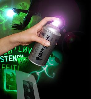 green light graffiti glow black sketches,graffiti sketches,graffiti letters light,graffiti glow black