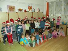 Alături de grupa mijlocie B, am primit colindatori pe copiii grupei mari de la Grădiniţa P.P. nr. 2