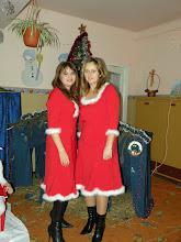 D-ra Lavinia şi d-na Laura...Crăciuniţe
