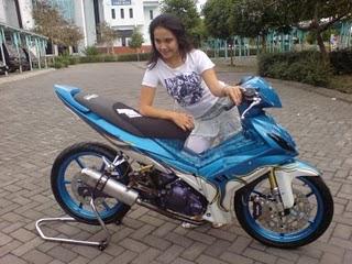 [Image: motor+jupiter+MX+dan+cewek+cantik.jpg]