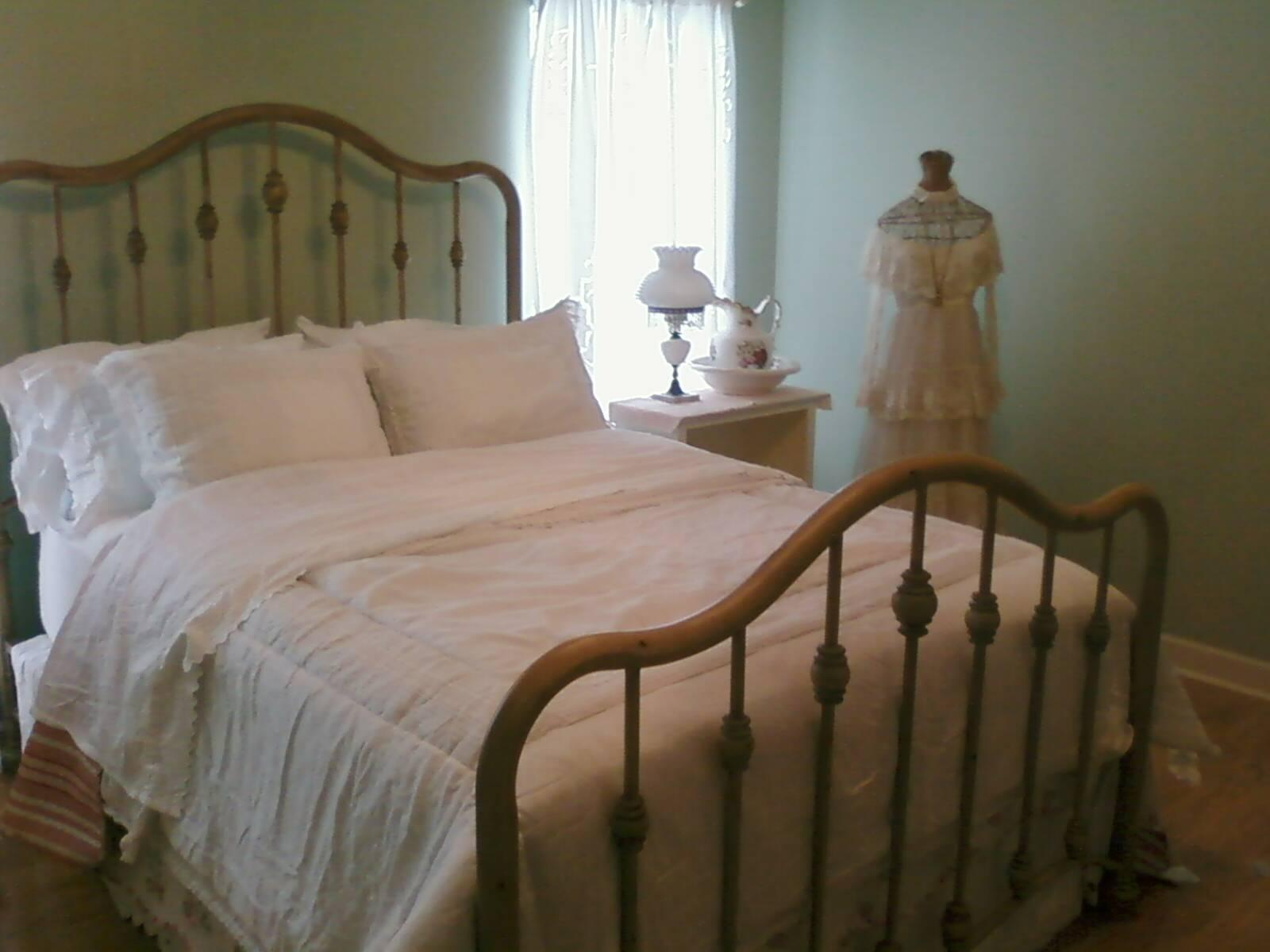 [bedroom+painted]