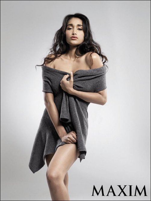 [Jiah+Khan+Maxim+Magazine+December+2008+Photo+Shoot.jpg]