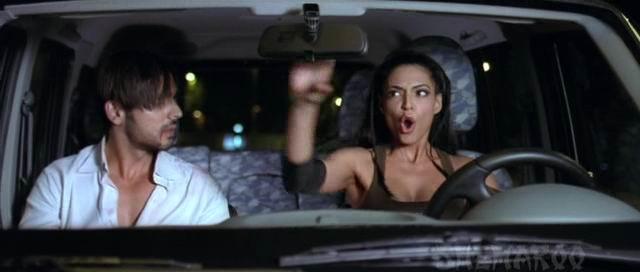[bollywood_actress_hot_movie_scene_13.jpg]