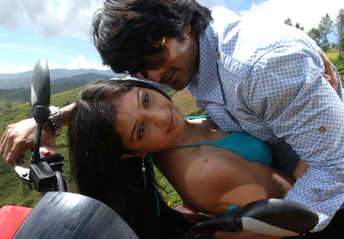 South Actress Hot and Sexy Masala Pictures - South Celebrity,Celebs,Namitha Pictures,Nayanthara,matrimonial south indian,Shriya Sharan,Parvait Melton,Charmy,Vidisha,Sneha,Gurleen Chopra,Malavika,Trisha Pictures Gallery,Genelia,Monalisa,Photo Galleries,Cine South Pictures,Illyana,Sada,Pictures of Sangavi, Meena, Simran,Anushka,Priyamani,Heera