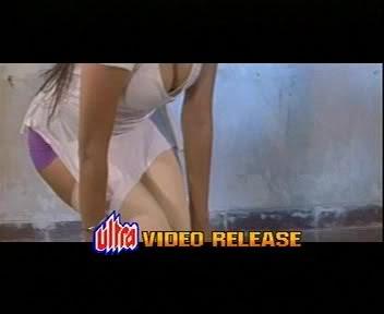 00:35 Sunny Leone's Nip Slip In Hot Saree [Sunny Leone's Nip Slip In ...