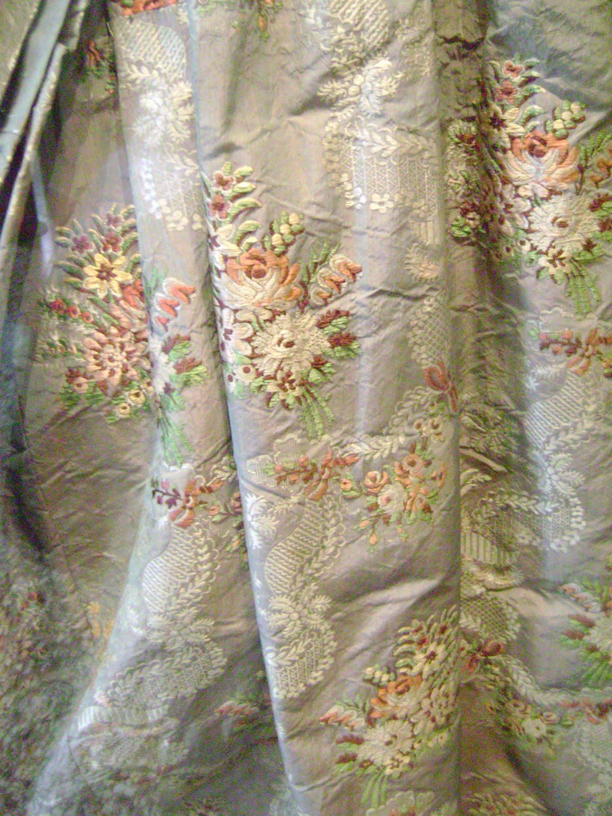 Contrast bella venezia palazzo mocenigo for Fashion fabrics
