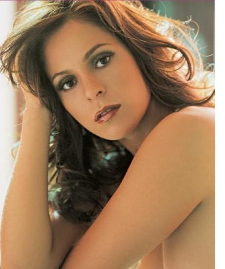 Capa Da Revista Playboy De Julho A Bandeirinha Ana Paula Oliveira