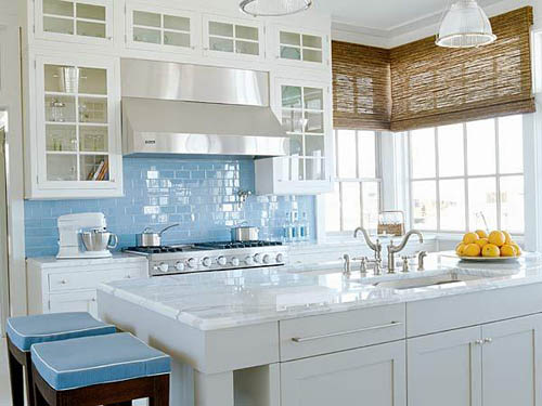Glass tile kitchen backsplash for Kitchen ideas backsplash