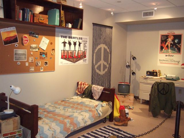 The Exhibit Also Features A University Of Iowa Dorm Room, Circa 1968.  Pretty Trippy! Just To The Left Of The Lamp Near The Bed Is The Requisite  Pile Of ... Part 8