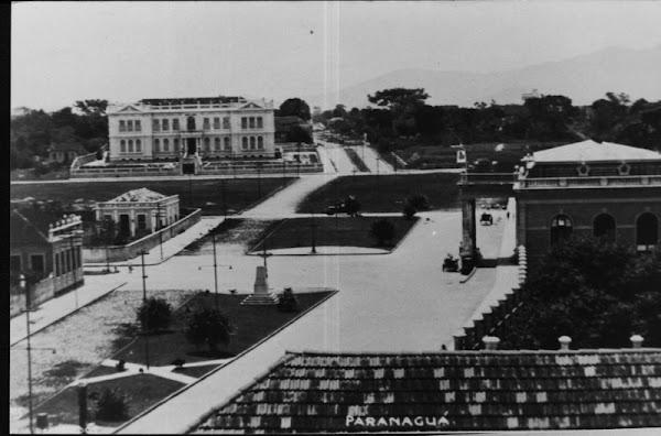 Instituto de Educação(frente) Estação(direita)