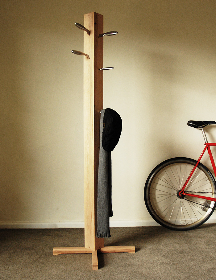 Diy coat stand diy furniture pinterest for Diy standing coat rack ideas