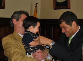 Martìn Vallejo, su abuelo y el Presidente Rafael Correa