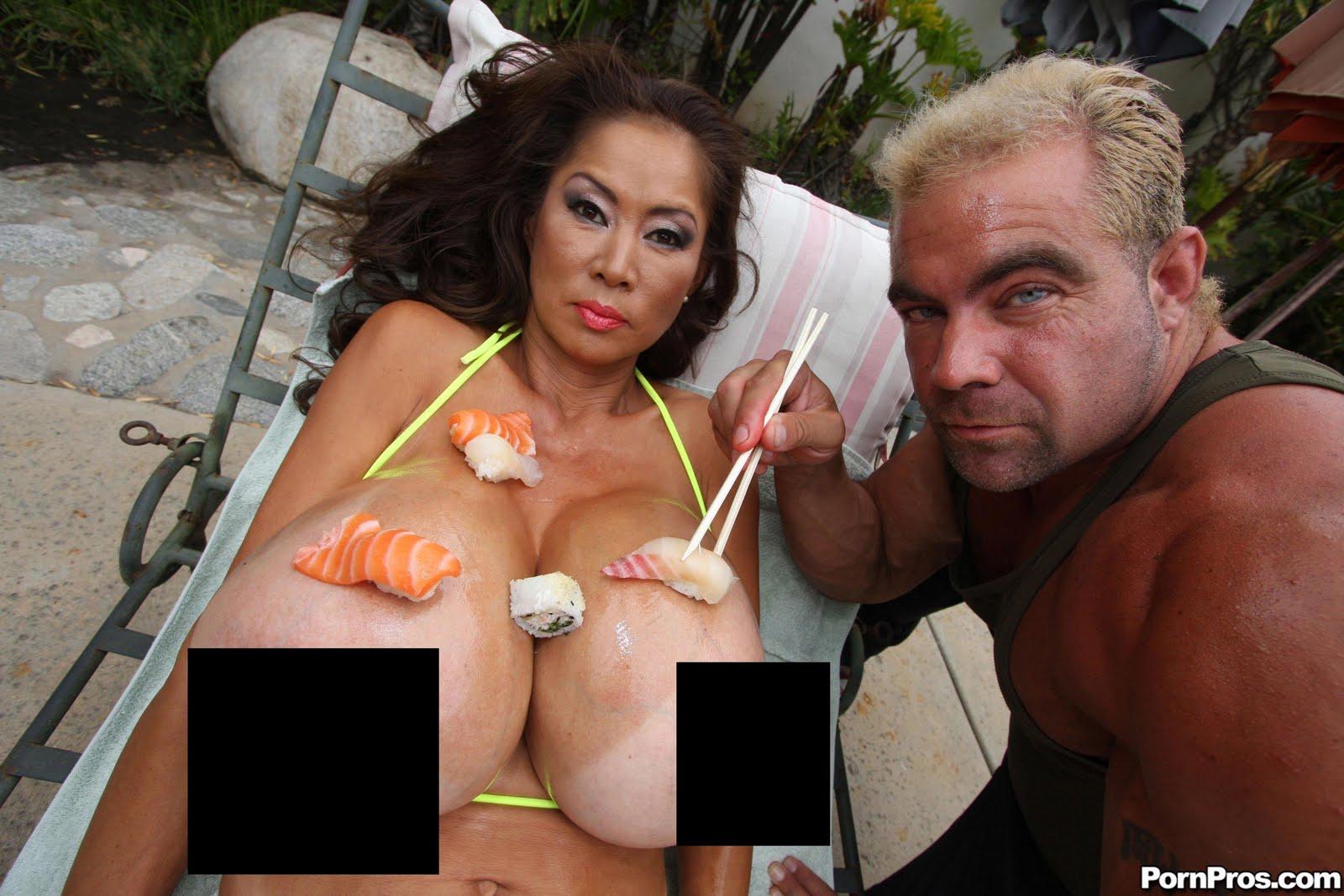 Смотреть бесплатно порно с кормящими грудью азиатки 23 фотография